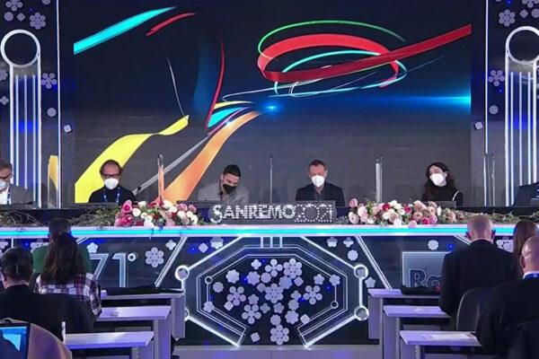 """Sanremo 2021, Amadeus: """"Un festival della rinascita e a tutti coloro che hanno lavorato"""""""